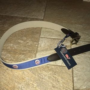 Vineyard Vines METS belt